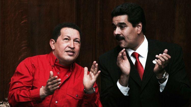 """Hugo Chávez y Nicolás Maduro, en una foto de 2007. El documental """"Chavismo: la peste del siglo XXI"""" ahonda sobre la historia de Venezuela desde 1999 hasta el presente (Getty Images)"""