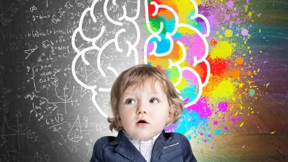 """El último libro del pedagogo y escritor español Jordi Nomen, """"El niño filósofo"""", coloca en el centro del debate el desarrollo del espíritu crítico de los niños a través de dos herramientas """"innatas"""" como la curiosidad y la capacidad de asombro."""