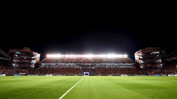 """""""Estaba dos centímetros corrido para la derecha"""", informó el canchero de Independiente (Getty)"""