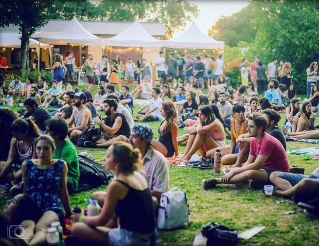 Música, playa y juventud en el festival Cuero de Mar del Plata
