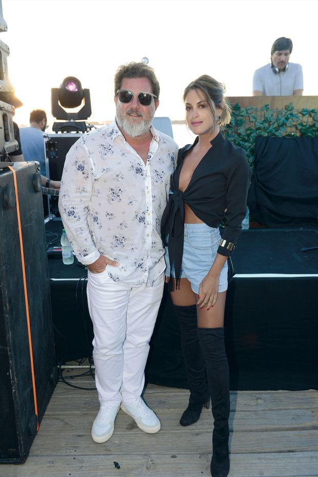 Agus Casanova y su esposo Lautaro Mauro. Fotos: Ale Carra/GENTE y Enjoy Punta del Este.