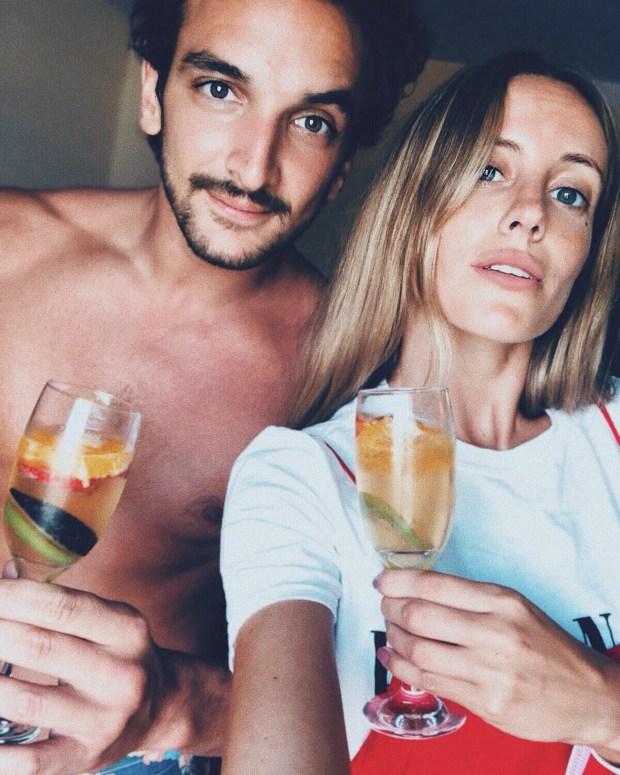 Melina y Agustín Cairo, su compañero de Agapornis antes de los shows en Villa Gesell.