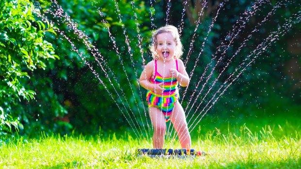 Los niños pequeños, al igual que los adultos mayores, son los más vulnerables a las altas temperaturas (Getty)