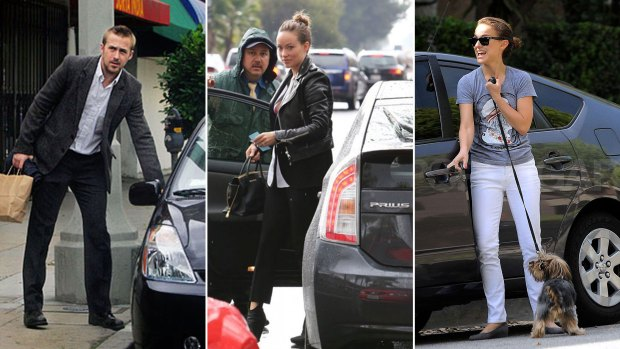 Ryan Gosling, Olivia Wilde y Natalia Portman junto a su Toyota Prius.