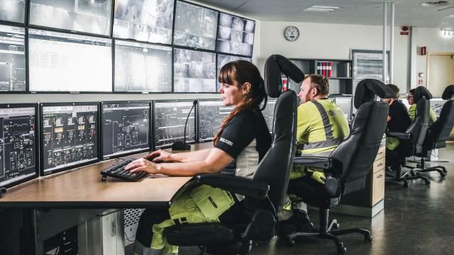 La sala de control central en la sede de Garpenberg (Tomas Westermark/Boliden)