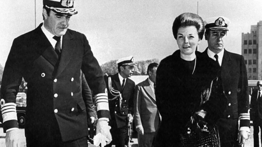 María Sáenz Quesada, biógrafa deIsabel Perón, citó una reunión entre Emilio Massera y la presidenta para mostrar la influencia de Vázquez sobre ella.