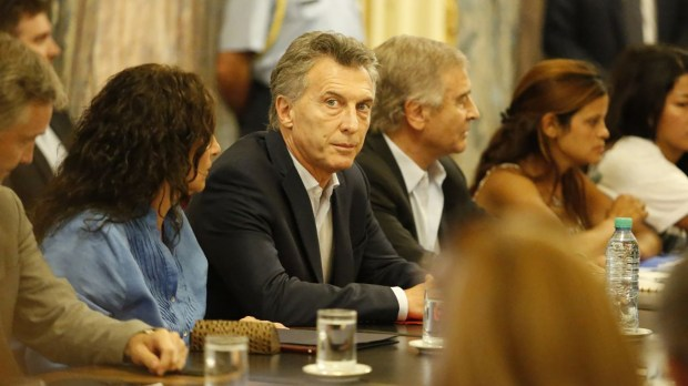 Mauricio Macri durante una reunión con familiares de las víctimas del ARA San Juan esta semana (Nicolás Aboaf)