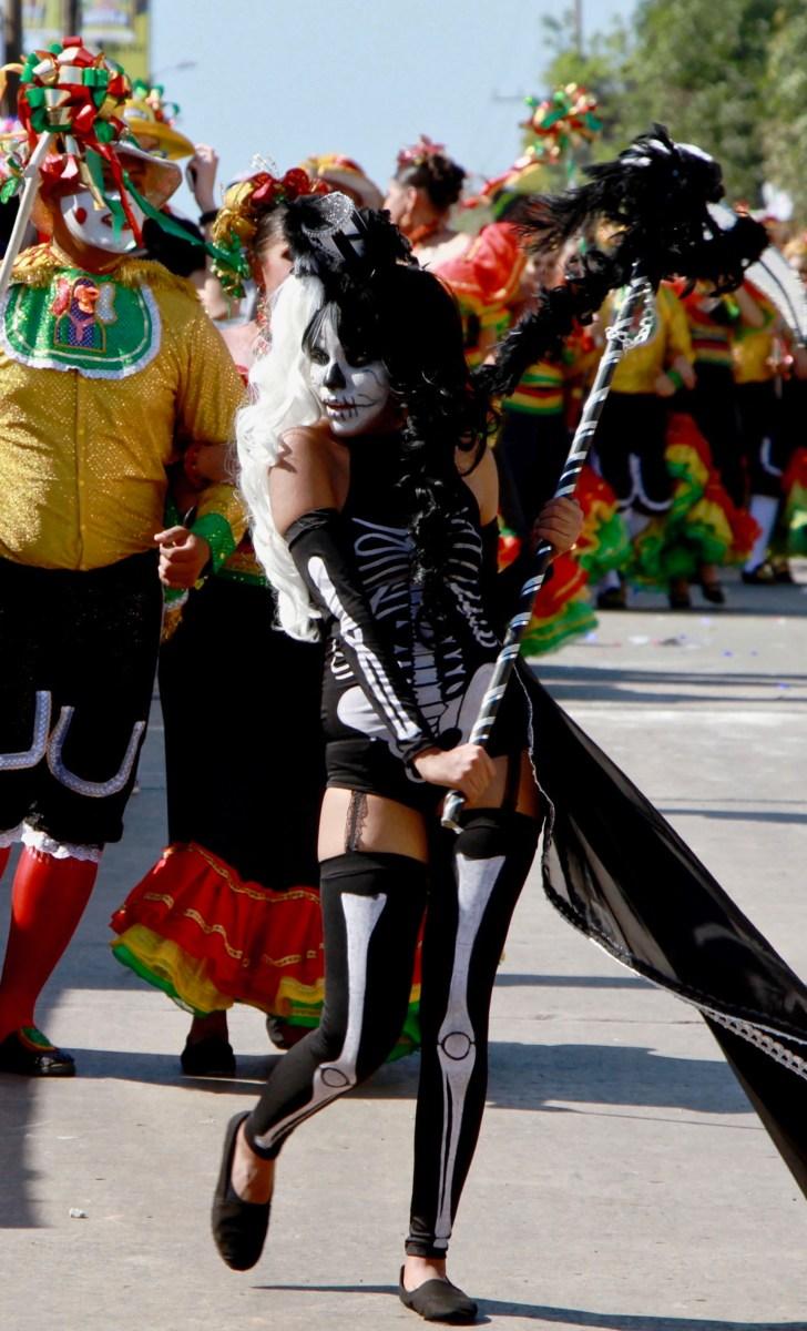 الرقص خربش يعيد المواجهة من رجل ضد الموت.  في هذه المناسبة، كان مراهقا مسؤولا عن ممارسة المنجل