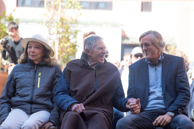Alejandro Roemmers con sus padres en la ceremonia religiosa