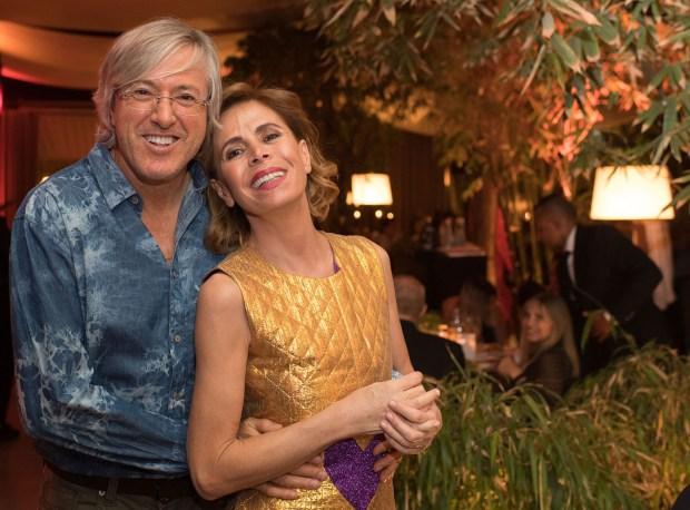 Alejandro Roemmers junto a la diseñadora Agatha Ruiz de la Prada durante la cena en el restaurante Bo Zin