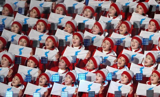 Las porristas antes de la ceremonia inaugural de los JJOO (Reuters/Kim Kyung-Hoon)