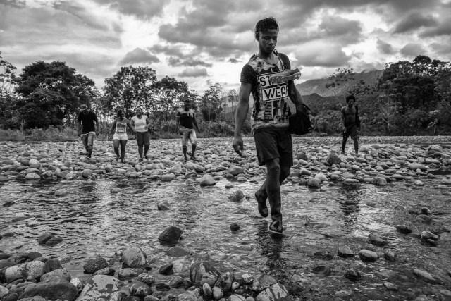 Peace Football Club – La Paz Fútbol Club: Las Fuerzas Armadas Revolucionarias de Colombia (FARC), que han dejado las armas tras más de 50 años de conflicto en Colombia, se está transformando en un nuevo partido político y aspira a crear un club de fútbol profesional, compuesto por víctimas del conflicto y ex rebeldes. (Juan D. Arredondo, Colombia)