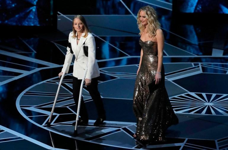 Jodie Foster y Jennifer Lawrence presentaron el premuio a la Mejor Actriz