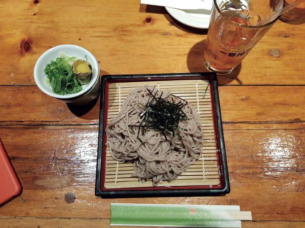 Platos tradicionales japoneses en Village Yokocho. Justo en la diagonal 6 Stuyvesant St., 9th St y 3rd Ave, 2nd fl.