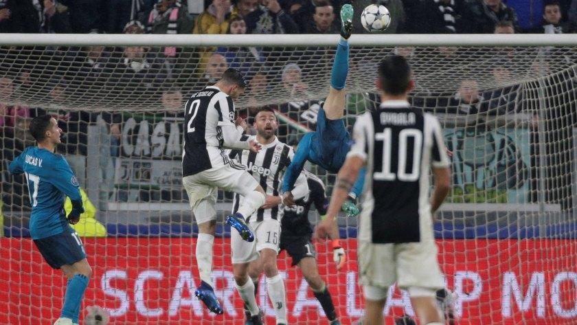 El gol de chilena a Juventus contribuyó para aceptar la propuesta del club italiano
