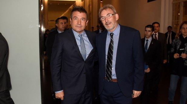 El jefe de la Policía Federal, Néstor Roncaglia, junto a Guillermo Yanco