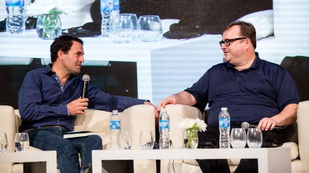 Wenceslao Casares en un encuentro de Endeavor conversa con Reid Hoffman, fundador de LinkedIn e inversor en Facebook, en Airbnb