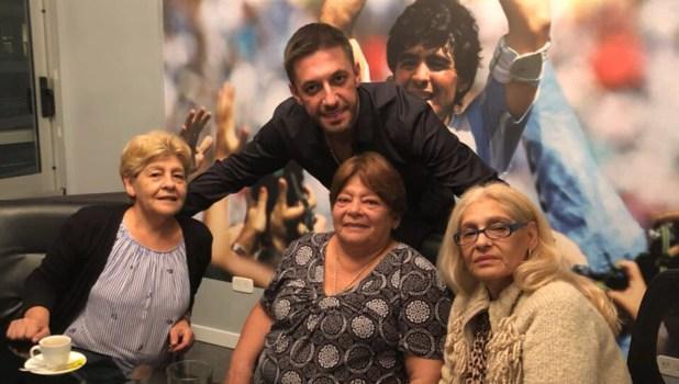 """Kyti, Ana y Lili, las hermanas de Diego Maradona, criticaron a Claudia Villafañe en Infama. """"Te puede donar un riñón, pero no dinero"""", dijeron en contra de su ex cuñada"""