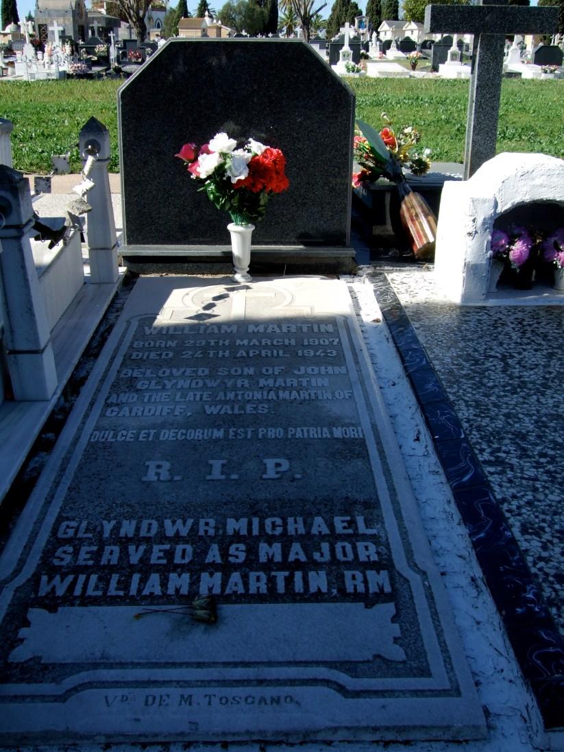 La tumba de William Martin/ Glyndwr Michael en el cementerio de Huelva