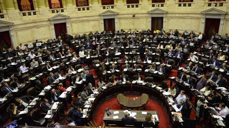 Espinoza pidió convocar a los ministros al Congreso (Julieta Ferrario)