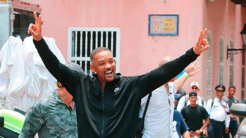 En la tarde del domingo Smith abandonó el hotel con rumbo al Aeropuerto Internacional Rafael Núñez para finalmente regresar a EEUU tras intensa jornada de grabación en Colombia