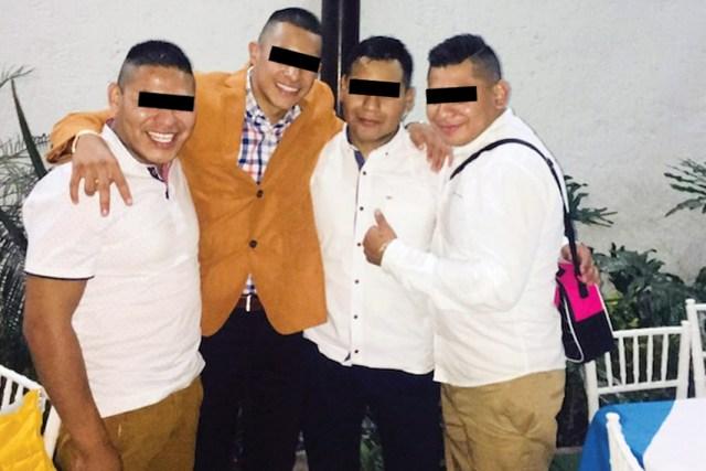 """El presunto homicida, identificado como Armando """"N"""", es el primero de izquierda a derecha"""