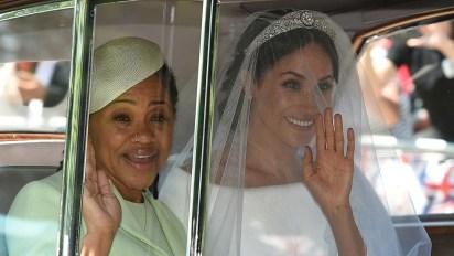 Meghan Markle y Doria Ragland en la boda real (AFP)