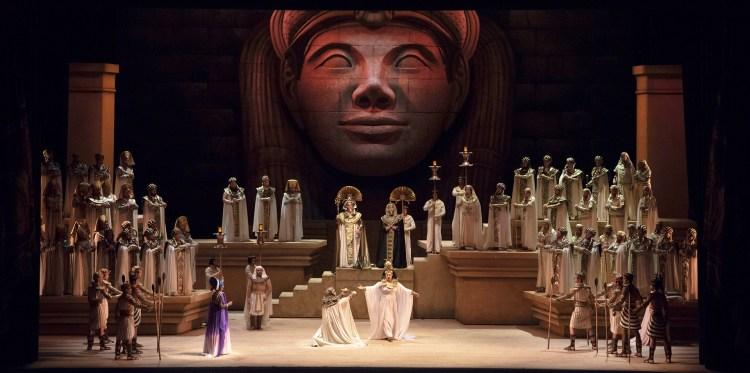 """""""Aida"""" en el Colón (Arnaldo Colombaroli)"""