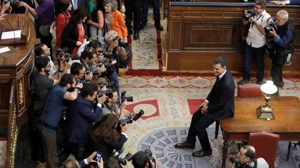 Sánchez consiguió acceder al poder tras una moción de censura contra Mariano Rajoy, del PP (EFE)