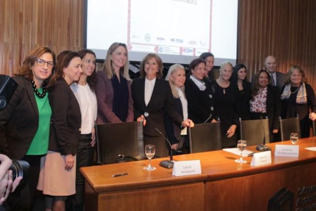 Gladys González explicó que para el proyecto de ley tiene como modelo el sistema de compras públicas llamado ChileCompra