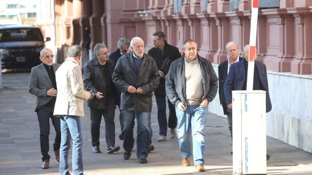 Dirigentes de la CGT salen de la Casa de Gobierno (Sebastián Pani)