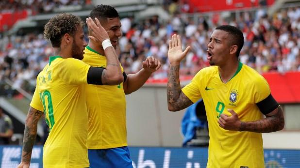 Brasil se impuso 3-0 y fue su 16ta victoria sobre 20 encuentros en el ciclo de Tite (Foto: Reuters)