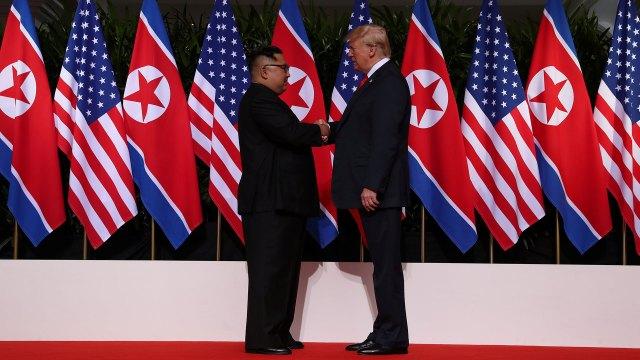 Kim Jong-un y Donald Trump, frente a frente. (Reuters)