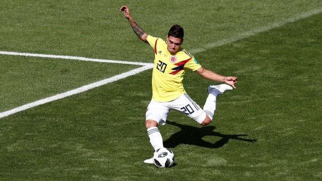 Juan Fernando Quintero marcó el gol del empate para Colombia en un tiro libre que pasó por debajo de la barrera (REUTERS/Damir Sagolj)