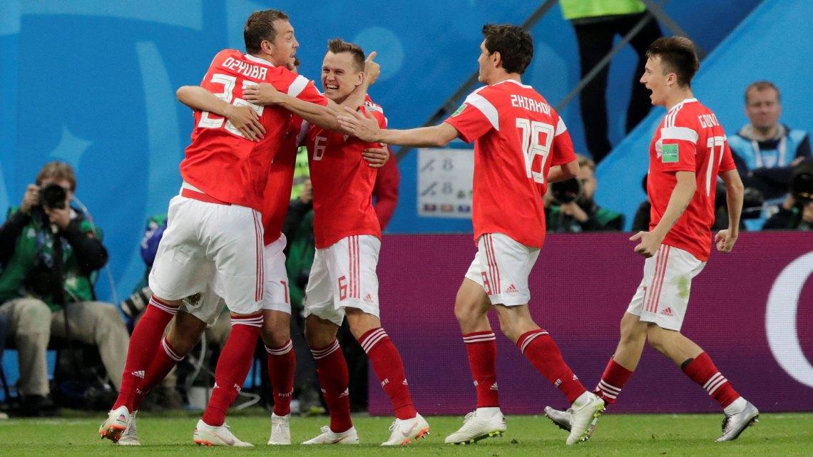 Hasta el festejo de los goles es colectivo en Rusia (Foto: Reuters)