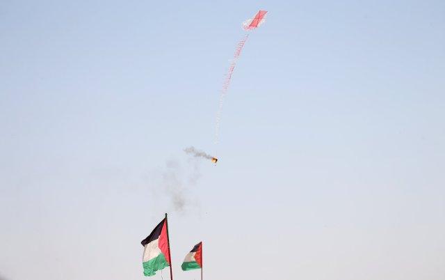 Comentas incendiarias, la nueva amenaza de los terroristas (REUTERS/Ibraheem Abu Mustafa)