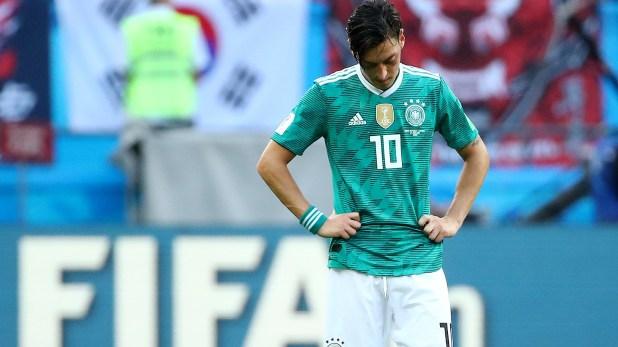 Beckenbauer critió a Özil por renunciar a la selección (Reuters)
