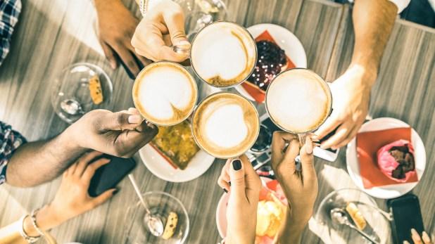 El nuevo estudiomostró que si una persona no desayuna, agregar esa comida es agregar calorías.