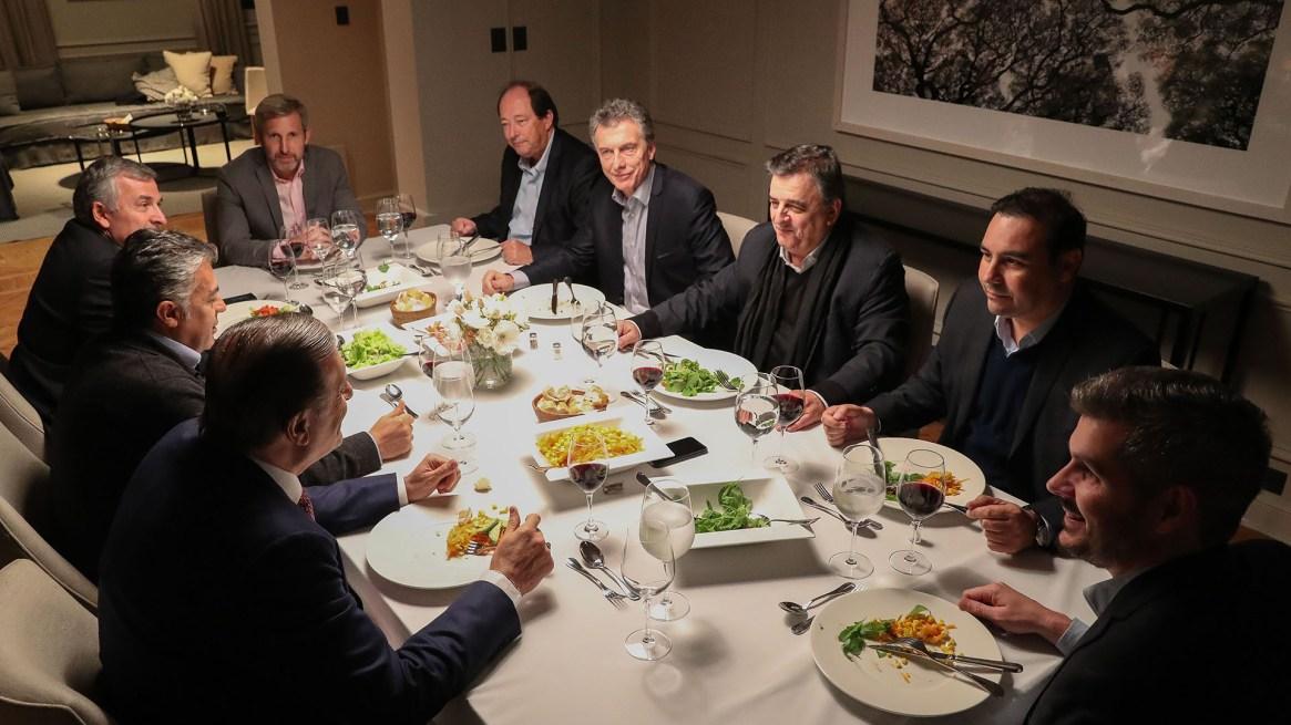 Cena de Mauricio Macri con los gobernadores radicales en Olivos.