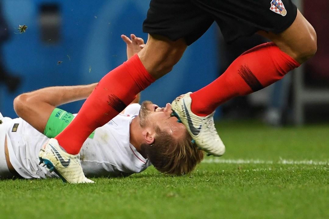 El inglés Harry Kane, goleador del Mundial, sufre en el duelo ante Croacia