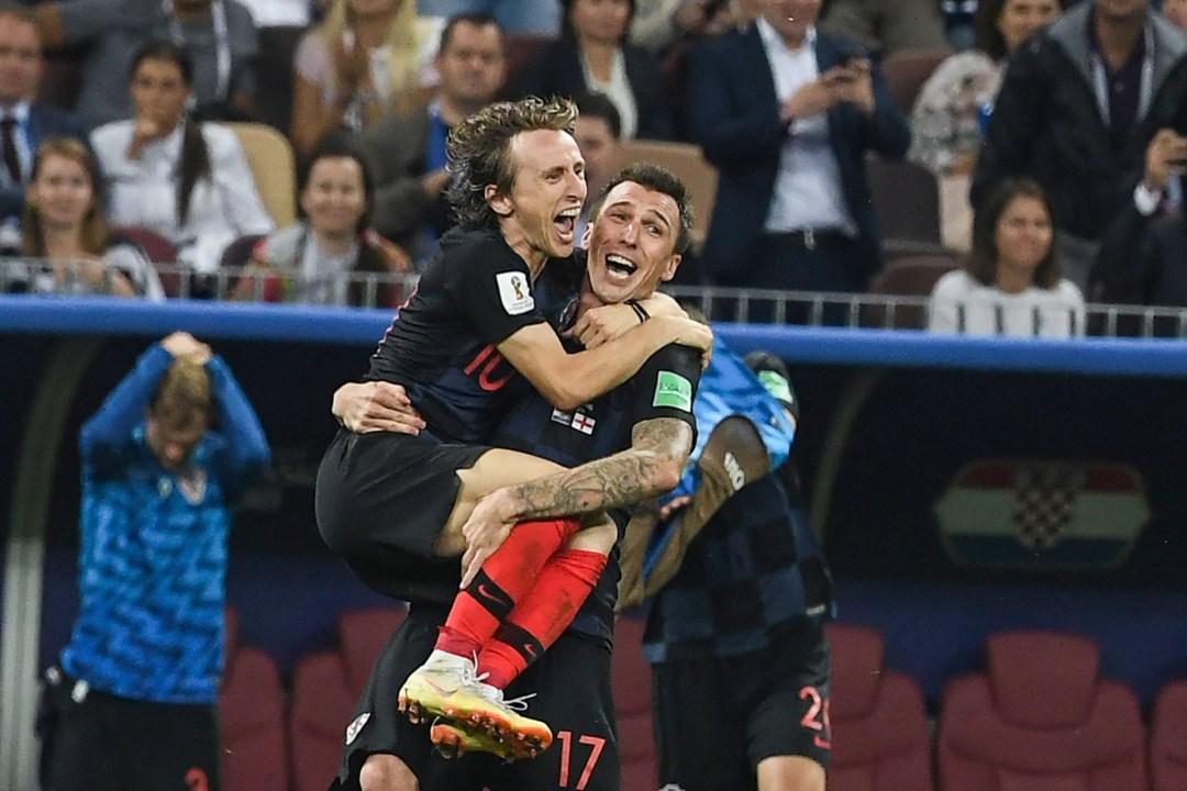 Mandzukic alza a Luka Modric: Croacia a la final de un Mundial por primera vez en la historia