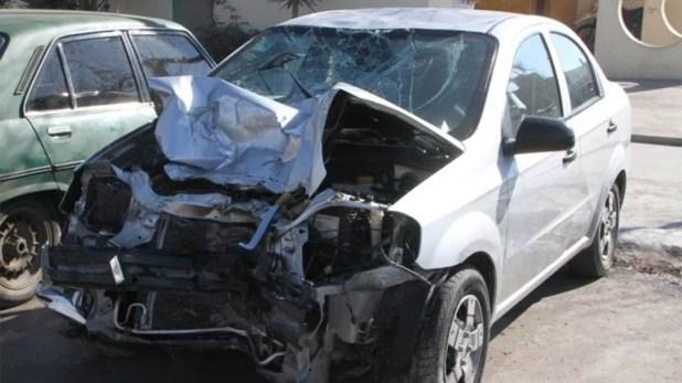 Así quedó el auto en el que viajaban los tres policías en estado de ebriedad