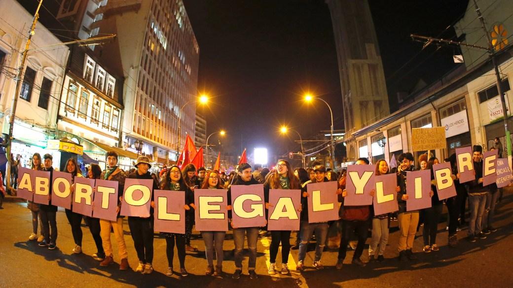 Manifestación por el aborto legal en Chile (Reuters)