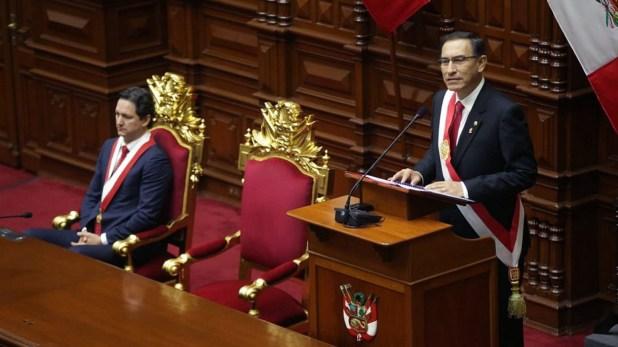 """Vizcarra anunció un referéndum para """"legitimar"""" la reforma judicial en Perú"""