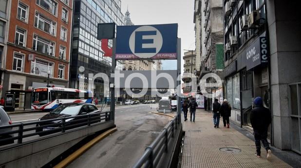 21. El estacionamiento de la Avenida Córdoba donde se hicieron pagos a Baratta