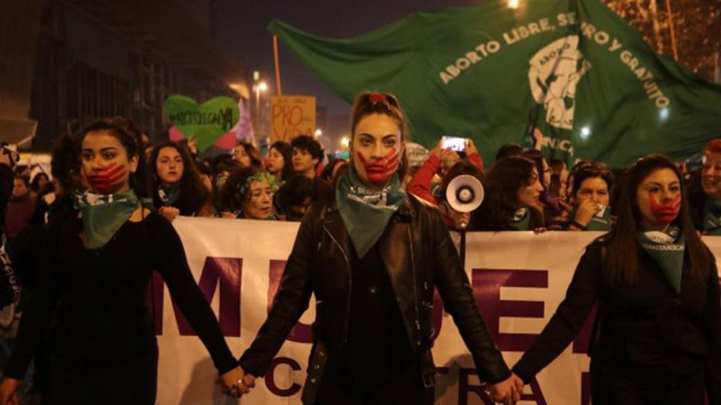 Manifestación por el aborto legal en Chile (ficheros.publico)