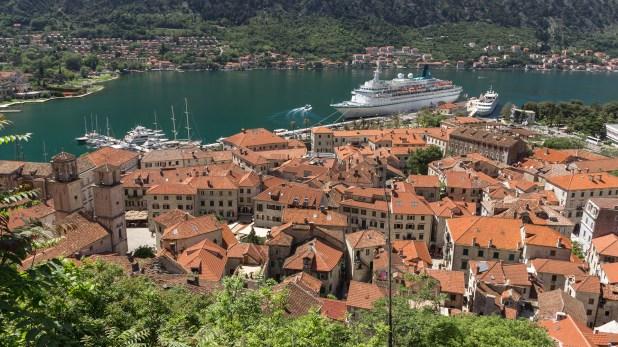 En verano acoge hasta cuatro buques de crucero cada día y 10.000 turistas diarios en temporada alta (Getty Images)