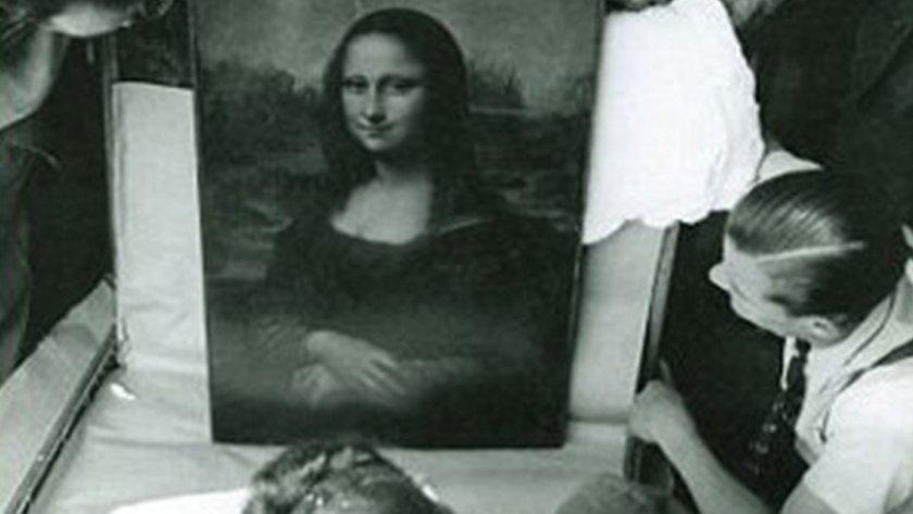 Jacques Jaujard observa a La Gioconda, la obra maestra de Leonardo Da Vinci