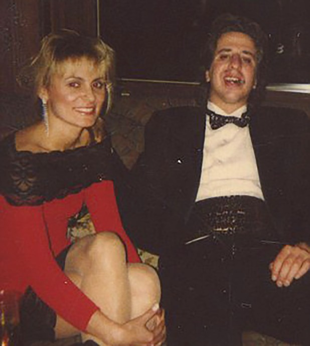 Dorothy Carvello con su colega, Jason Flom