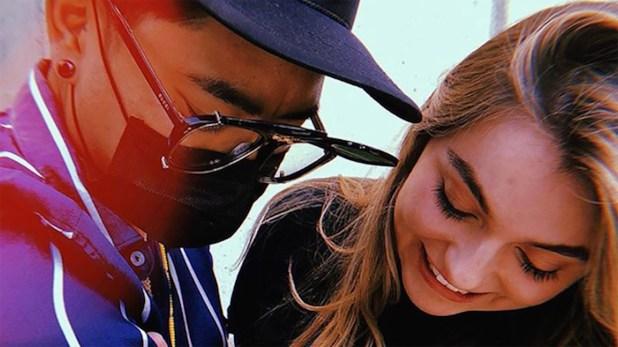 Una de las fotos con Sofía Castro, en las que desactivó los comentarios (Foto: Jon Boy)